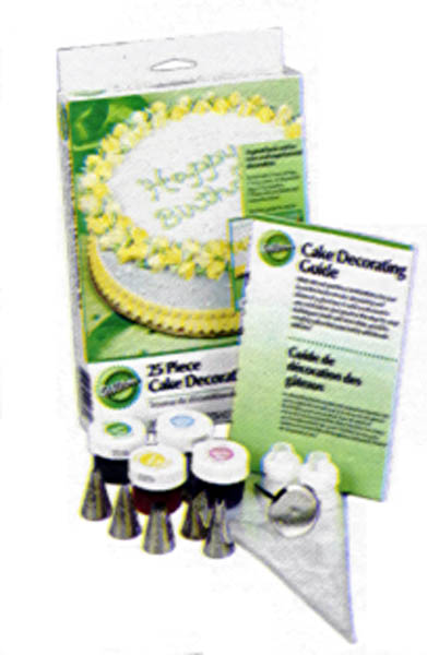 Wilton 25 Piece Cake Decorating Set