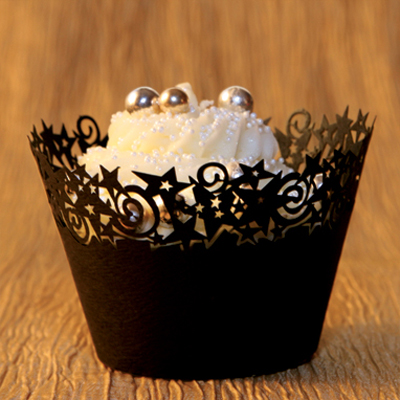 Cupcake Wrappers Black Stars Design