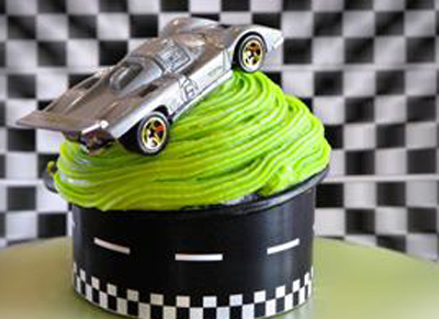Roundabout Hit the Road Cupcake Wrappers 12 ct.