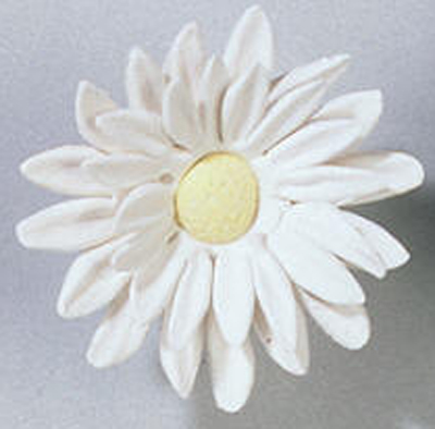 Gumpaste Hand Made Double Petal Lg Daisy   3 Per Package
