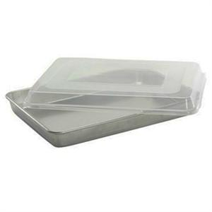 Nordic Ware Commercial 13.5 x 18.5 x 3.25 Inch Sheet Pan With Lid
