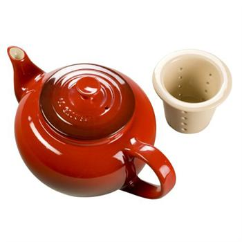 Le Creuset Small Teapot with Infuser, 22 Ounce