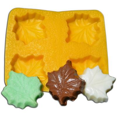 Evran Guttman 1-1/2 Inch Maple Leaf Flex Candy Mold