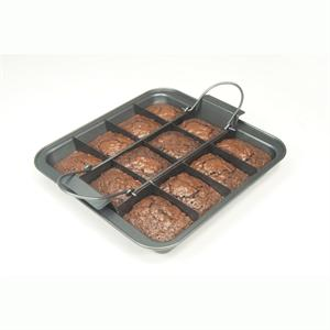 Chicago Metallic Slice Solutions Brownie Pan 9 x 9 x 2.75 In