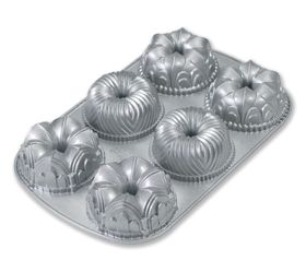 Nordic Ware Garland Mini Bundt Pan