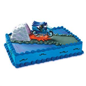 Batman With Bat-Cycle Cake Kit