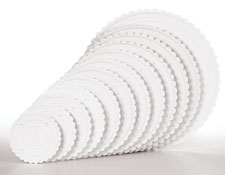 Decorator Preferred White Scalloped Separator Plates