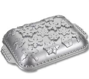 Nordic Ware Snowflake Cake Pan 9.5in x 13in